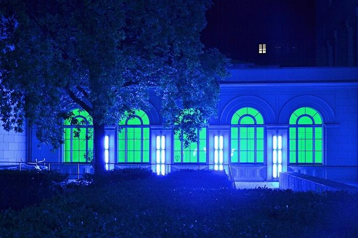 Fabian Fröhlich, Berlin bei Nacht, Hamburger Bahnhof, Seitenflügel, Dan Flavin