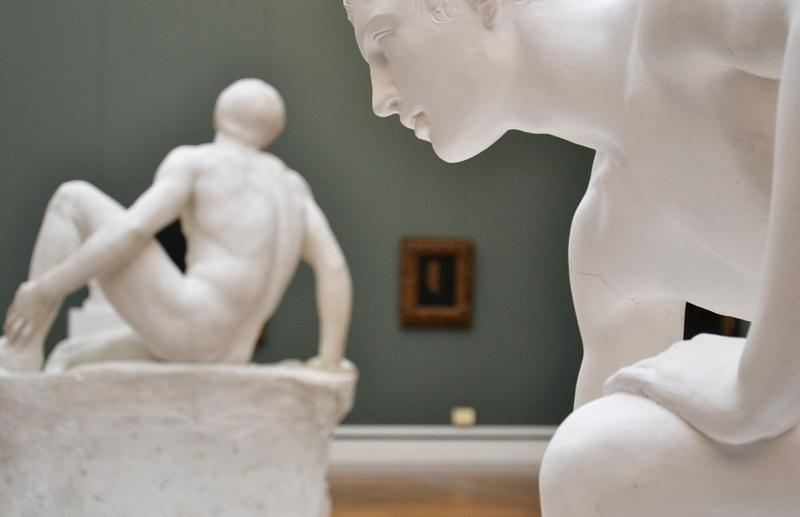 Neue Pinakothek, München, Skulpturen im Marées-Saal, Fabian Fröhlich