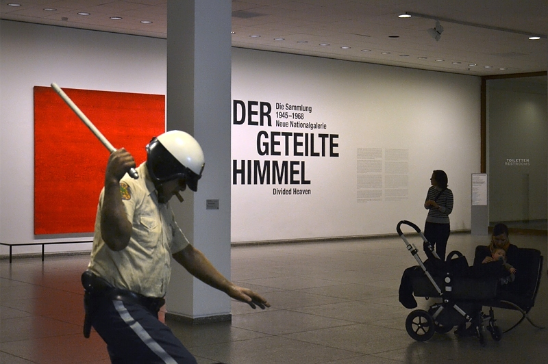 Neue Nationalgalerie, Der geteilte Himmel, Duane Hanson, Riot; Ruprecht Geiger, Tafraoute, Berlin, Fabian Frhlich