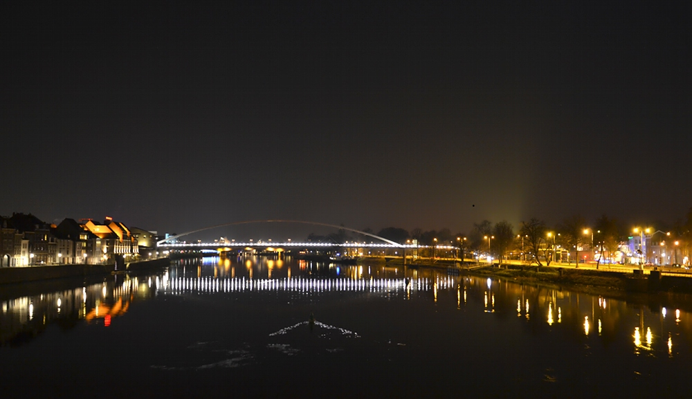 Maastricht, Maas, Hoeg Brgk, Nacht