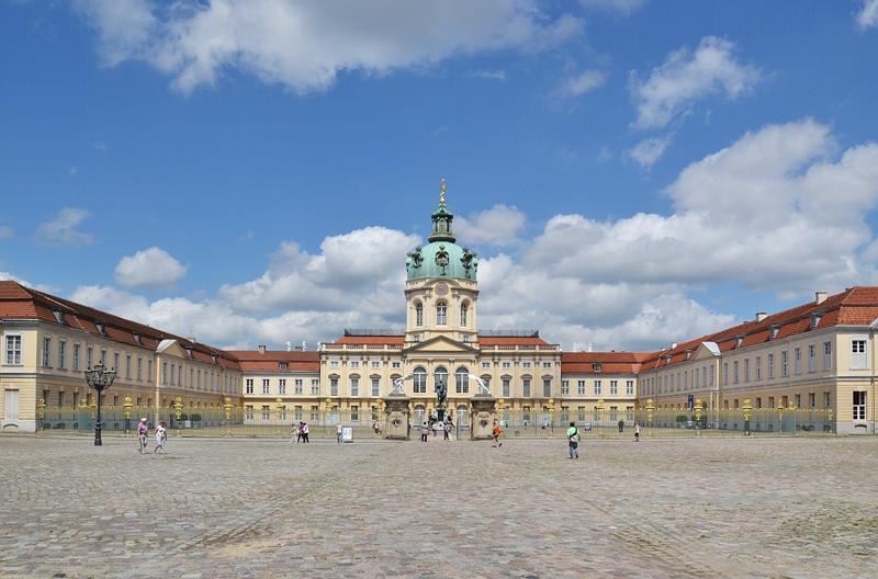 Schloss Charlottenburg, Hofseite, Mittelbau