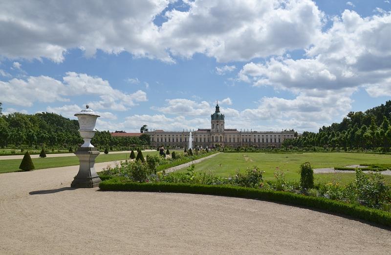 Schloss Charlottenburg, Gartenseite, Parterre