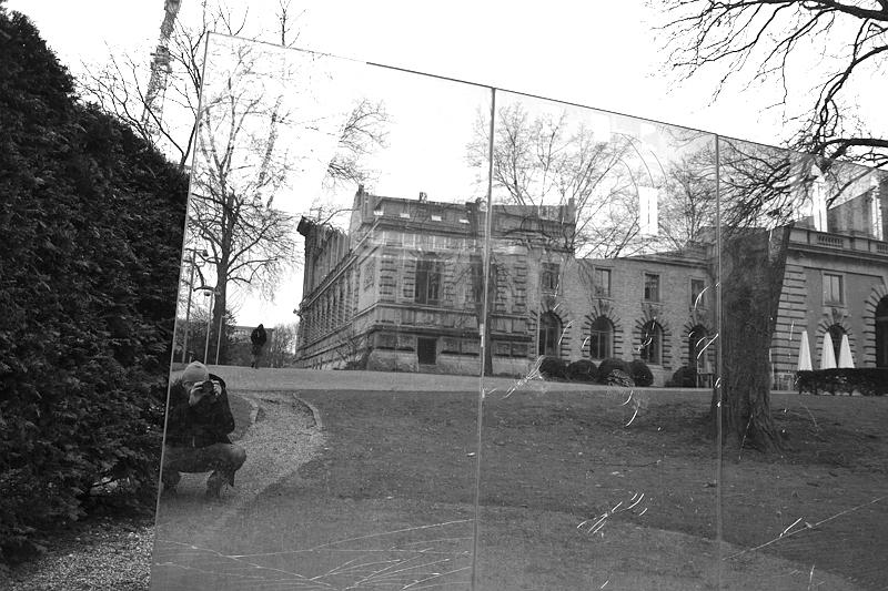 Düsseldorf, Ständehaus im Spiegel