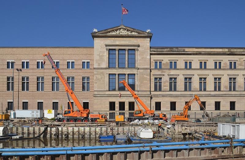 Neues Museum und Baustelle James-Simon-Galerie, Berlin