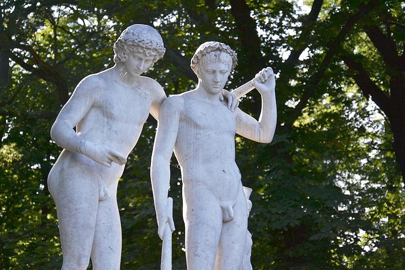 Sanssouci, Ildenfonso-Gruppe von Christoph Heinrich Fischer am Schloss Charlottenhof