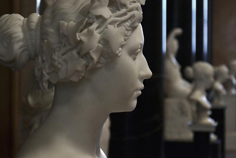 Alte Nationalgalerie, Christian Daniel Rauch, Agnes Rauch mit Efeukranz