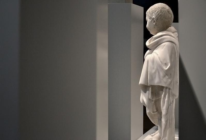 Knabe im Mantel, Herculaneum, Berlin, Antikensammlung, Altes Museum,