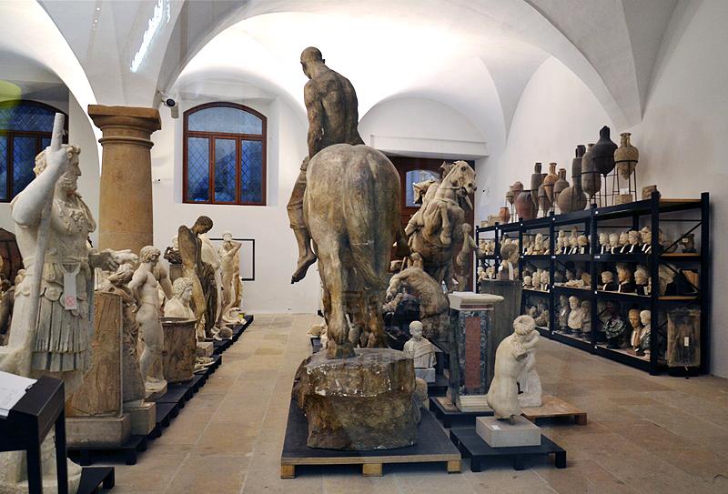 Dresden, Skulpturen im Schaudepot des Albertinums, Erdgeschoss
