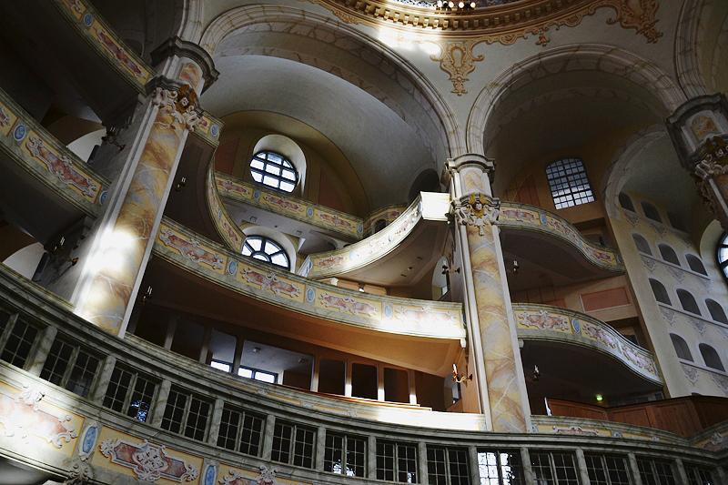 Dresden, Emporen in der Friedenskirche