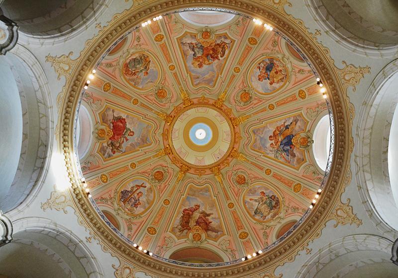 Dresden, Deckenmalerei in der Innenkuppel der Friedenskirche
