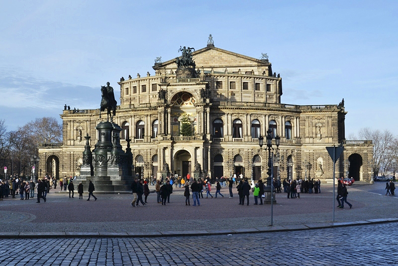 Semperoper, Dresden, Thetareplatz und Semperoper