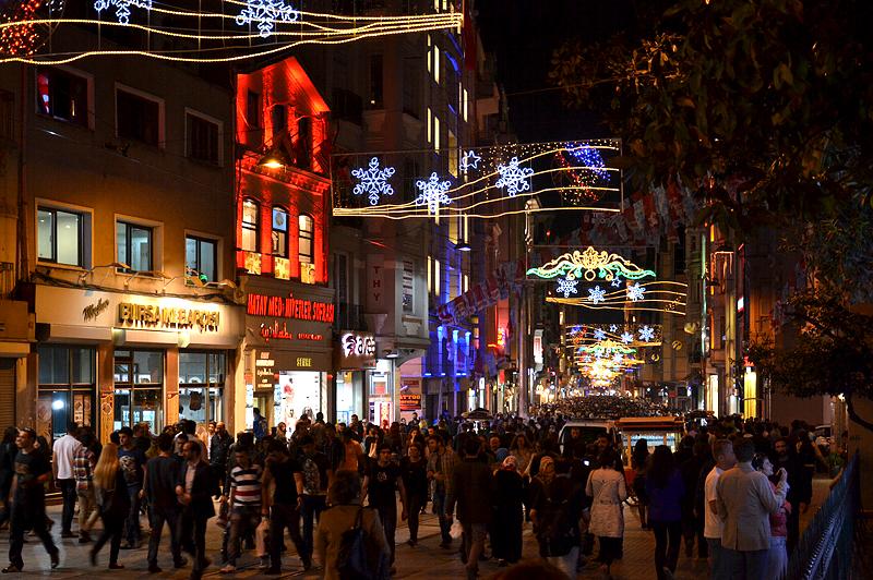 Istanbul, İstiklal Caddesi bei Nacht