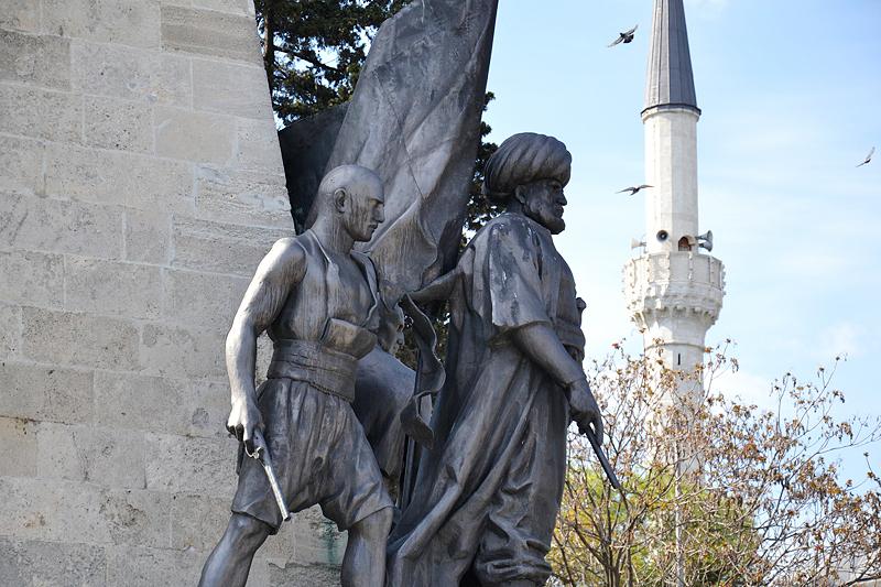 Beşiktaş, Denkmal für Barbaros Hayreddin Paşa
