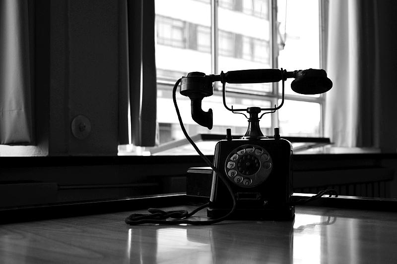 Bauhaus Dessau, Brüro Walter Gropius, Schreibtisch und Telefon