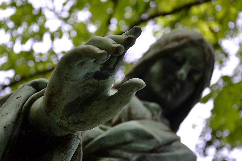 Georgenfriedhof, Berlin Greifswalder Straße, Engel
