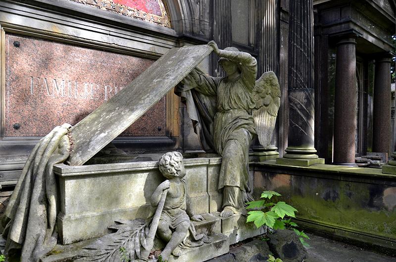Georgenfriedhof, Berlin Greifswalder Straße, Erbbegräbnis Riedel