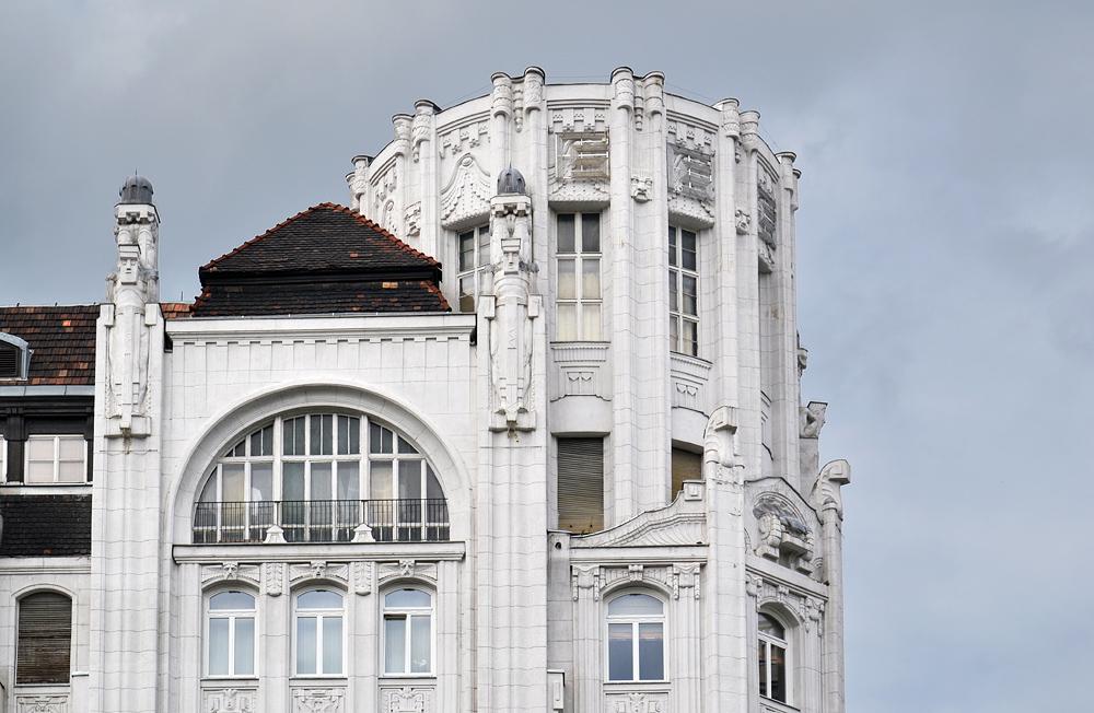 Art Deco Budapest, Haus am Deák Ferenc tér