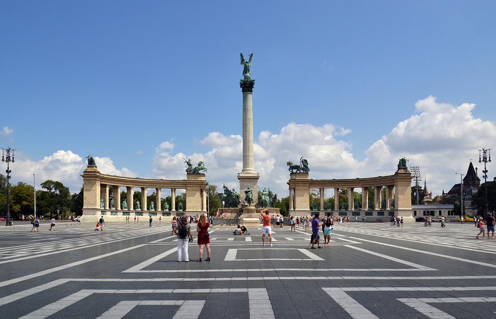 Milleniumsdenkmal am Hősök tere (Heldenplatz) Budapest