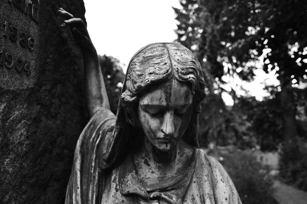 Grabmal Margot Leonhardt (Friedhof IV der Gemeinde Jerusalems- und Neue Kirche)