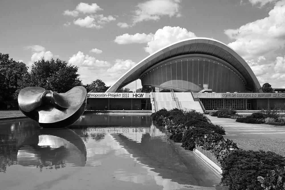 Fabian Fröhlich, Large Butterfly von Henry Moore und Kongresshalle Berlin
