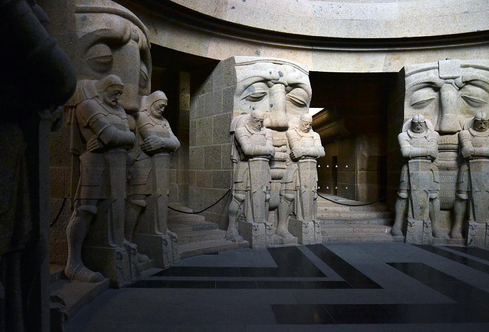 Völkerschlachtdenkmal Leipzig, Krieger in der Krypta