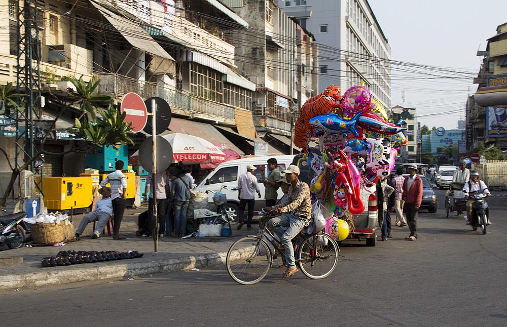 Phnom Penh, Luftballons