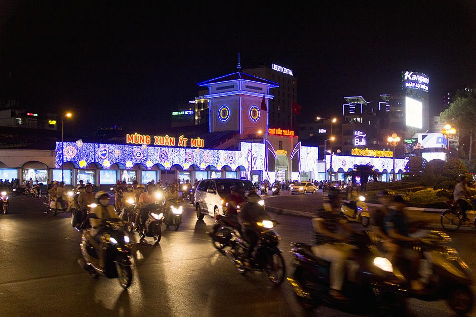 Ho Chi Minh City, District 1, nacht, Bến-Thành-Markt