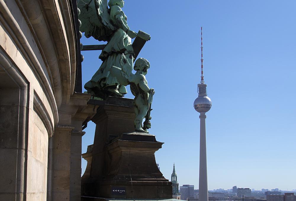 Blick vom Berliner Dom zum Fernsehturm
