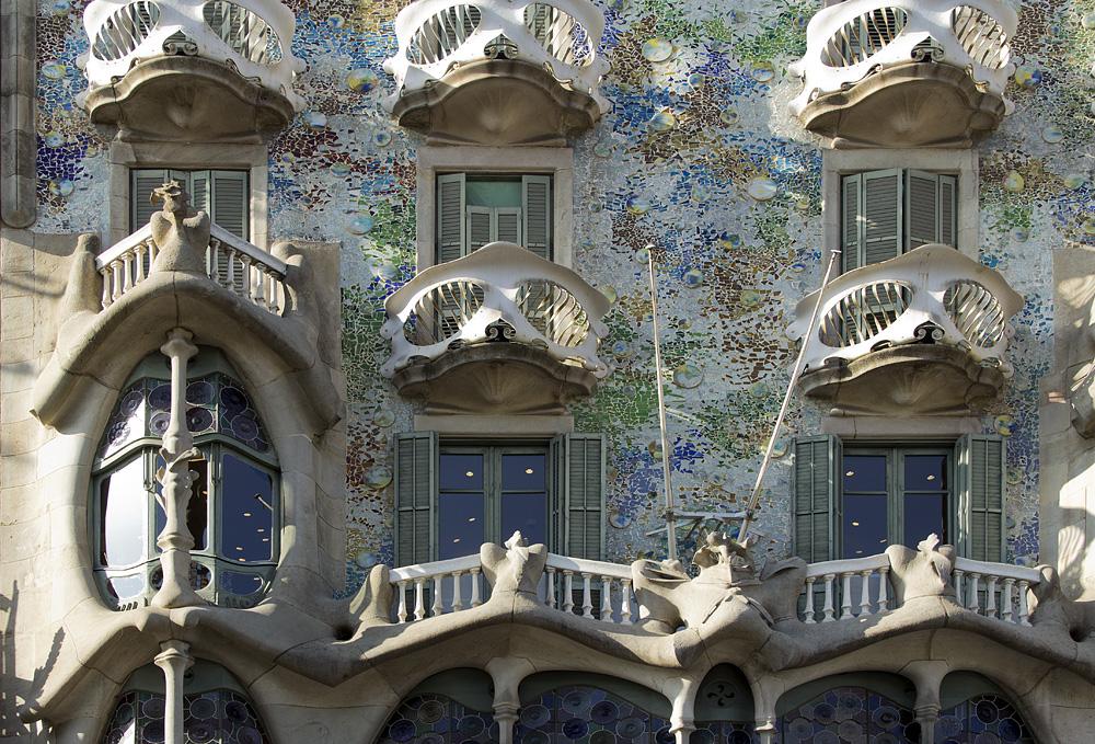 Barcelona, Casa Batlló von Antoni Gaudi, Manzana de la Discordia, Fassade am Passeig de Gracia