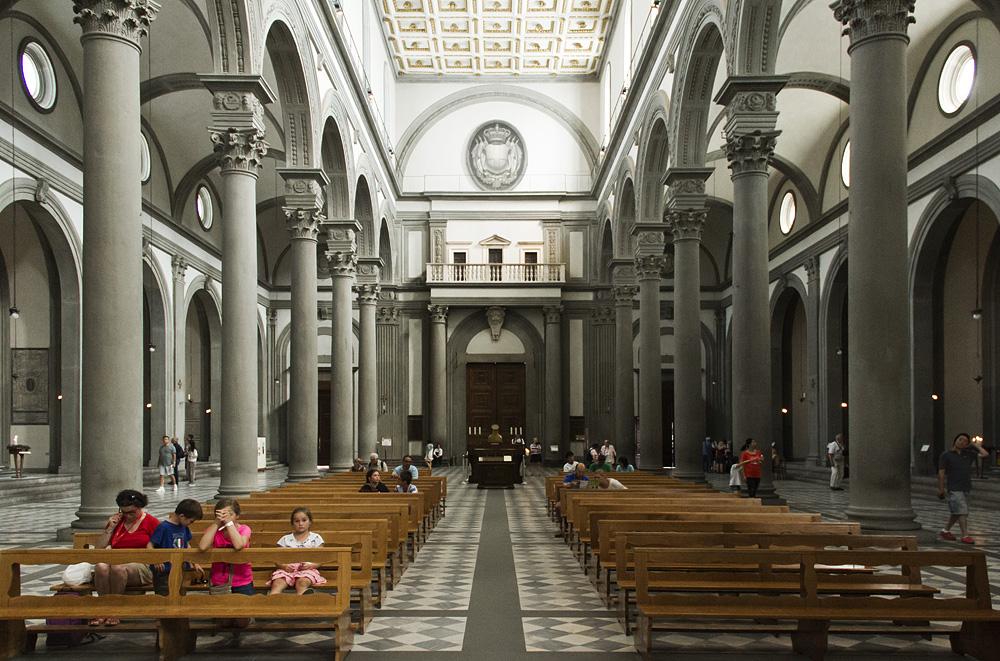 Florenz, Kirchenraum von San Lorenzo mit Blick nach Osten