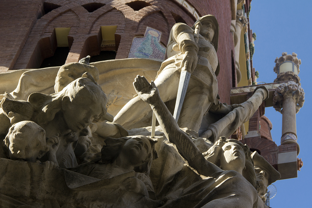 Barcelona, Palau de la Música Catalana, Skulpturengruppe von Miquel Blay an der Fassade