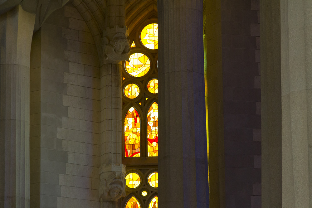 Barcelona, Sagrada Familia, Fenster in der Apsis