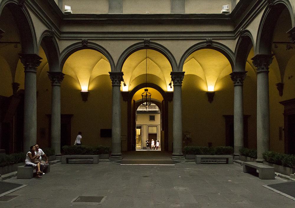 Firenze, Palazzo Dtrozzi, Innenhof