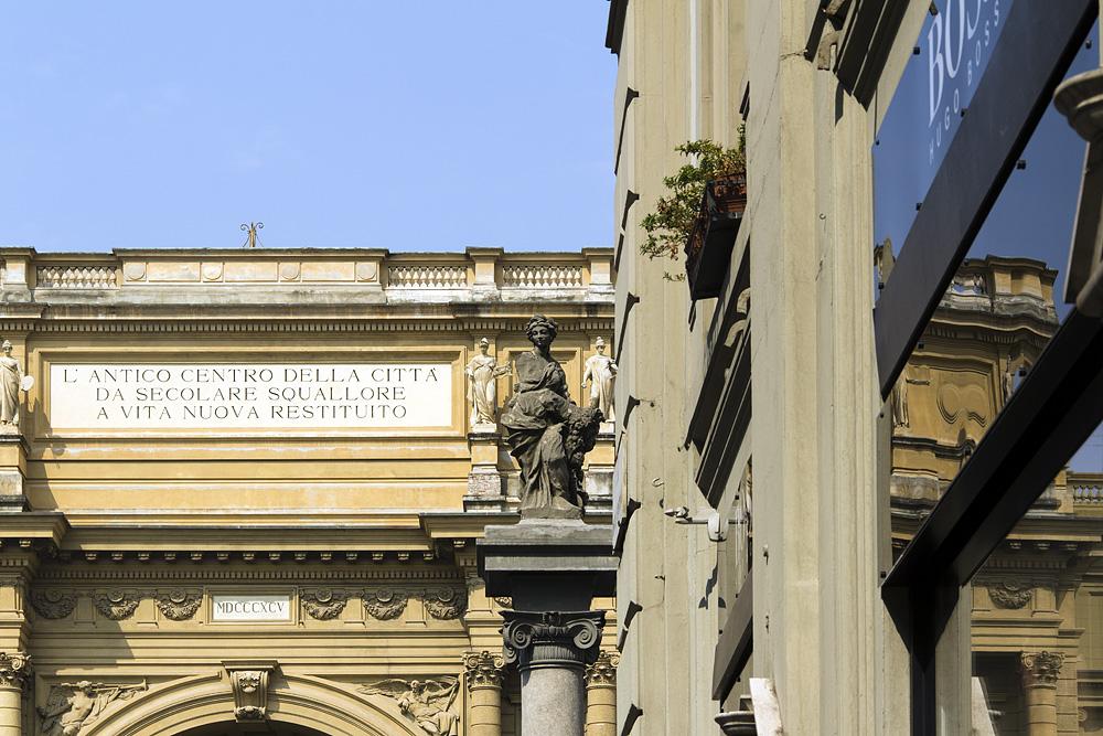 Firenze, Piazza Repùbblica, Säule mit Figur der Abbondantia