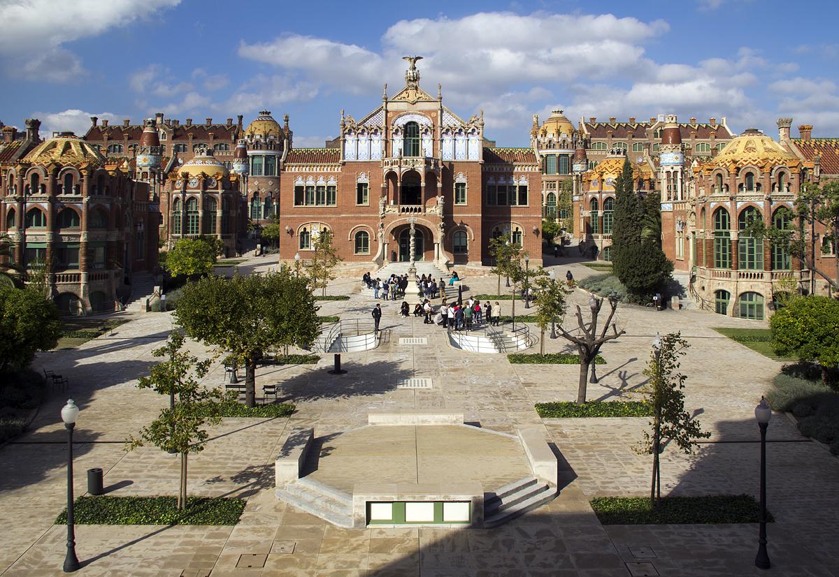 Barcelona, Hospital de la Santa Creu i Sant Pau, Innenhof und Operationsgebäude