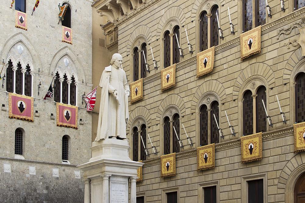 Siena, Piazza Salimbeni