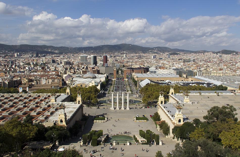 Barcelona, Blick vom Dach des Palau Nacional zur Plaça d'Espanya