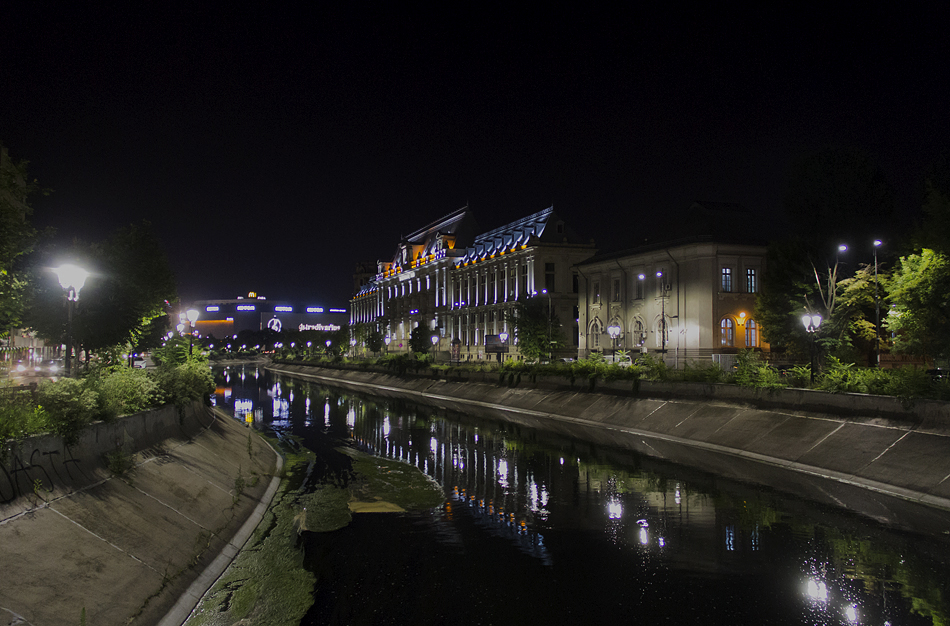 Bukarest, Nacht, Dâmboviţa