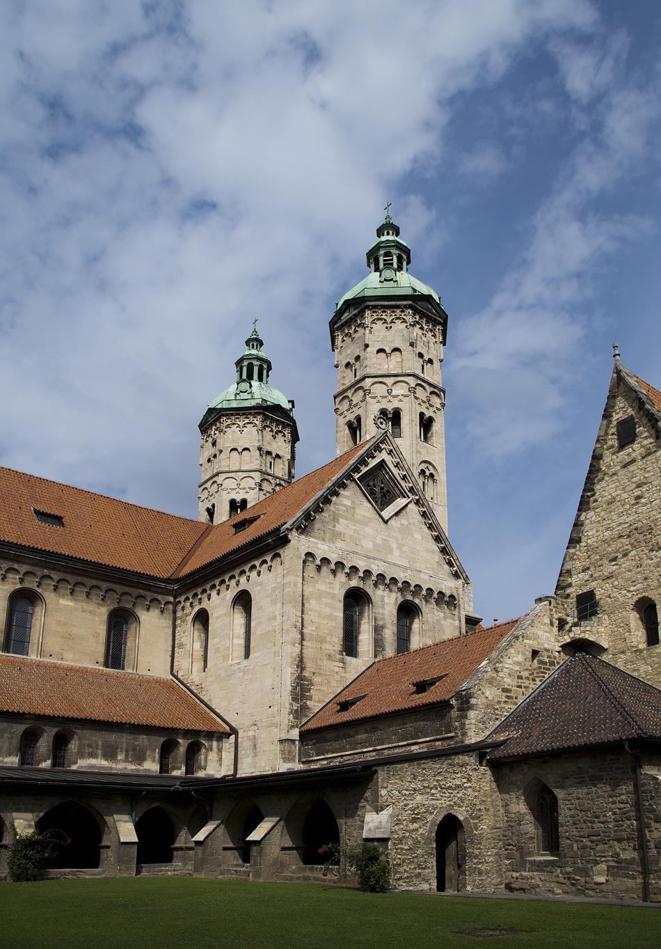 Naumburger Dom, Außenansicht