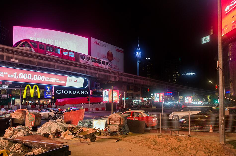 Fabian Fröhlich. Kuala Lumpur, Jalan Sultan Ismail at Night