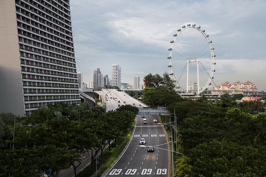 Fabian Fröhlich, Singapore, Sheares Avenue