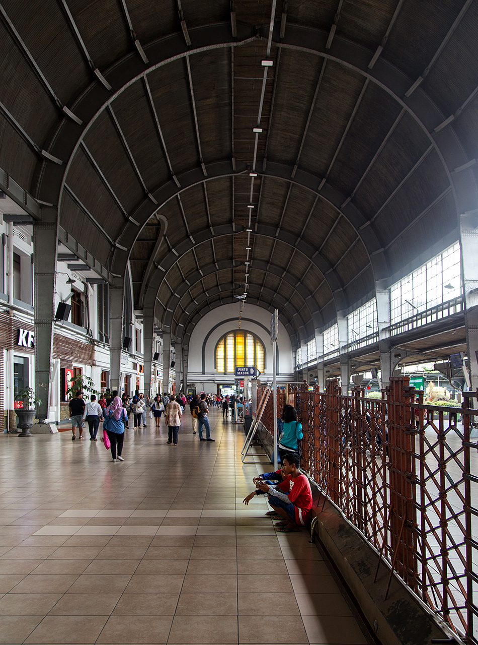 Fabian Fröhlich, Jakarta, Stasiun Kota
