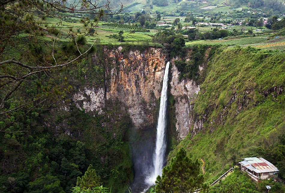 Sumatra, Siposopiso Wasserfall