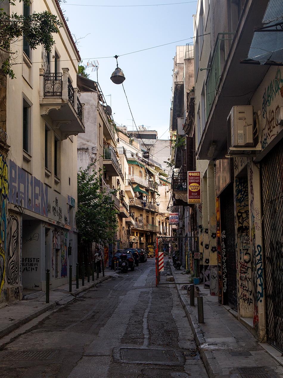 Fabian Fröhlich, Athen, Tzavella Street