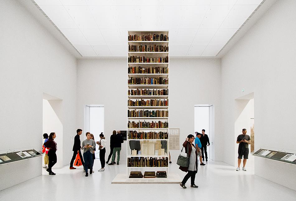 Fabian Fröhlich, documenta 14, Kassel, Maria Eichhorn, Rose Valland Institute, Neue galerie