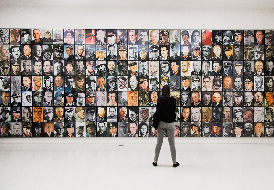 Fabian Fröhlich, documenta 14, Kassel, Piotr Uklański, Real Nazis, Neue Galerie