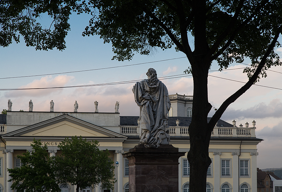 Fabian Fröhlich, documenta 14, Kassel, Statue Friedrich II