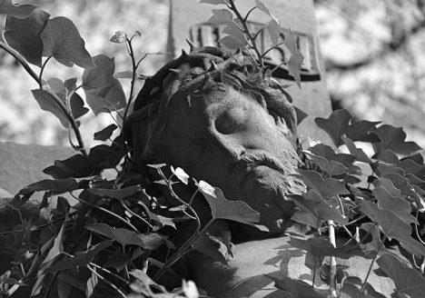 Fabian Fröhlich, Berlin, St.-Michael-Friedhof, Kruzifix