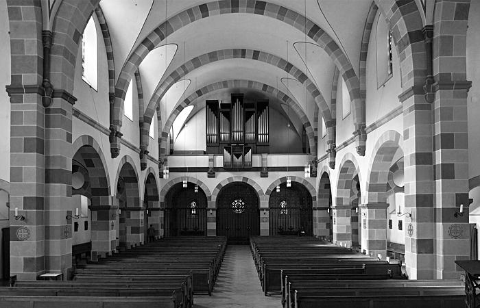 n Fröhlich, Kassel, Vorderer Westen, Rosenkranzkirche, Innenraum