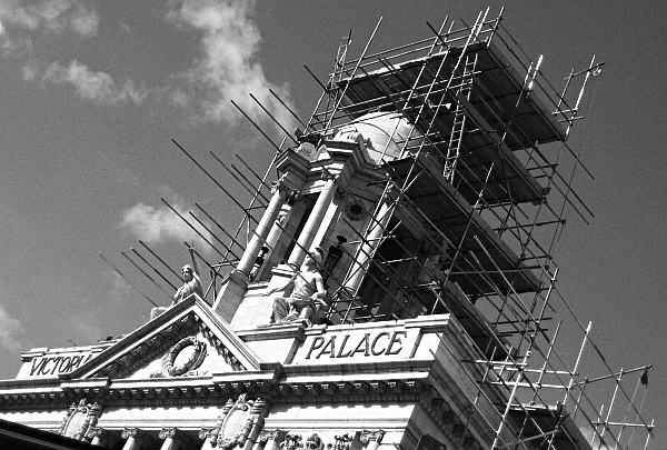 Fabian Fröhlich, London, Victoria Palace